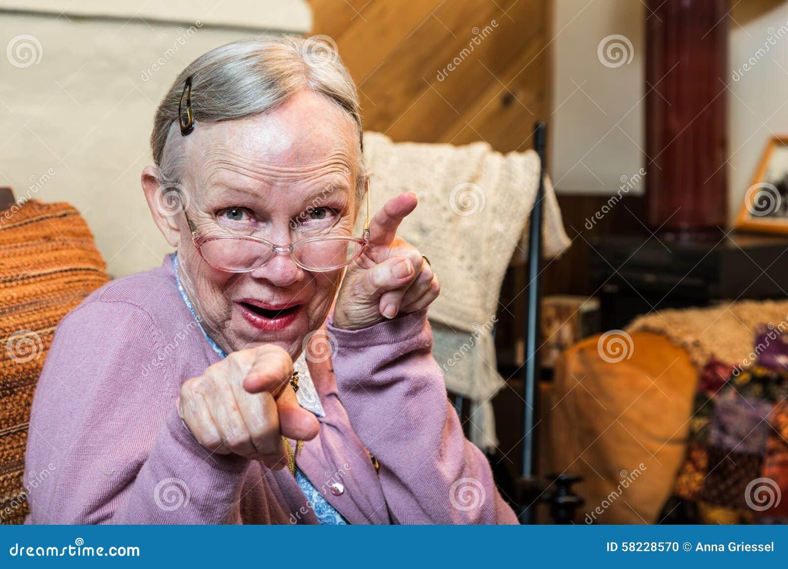 Смешные ролики со старухами 3 фотография