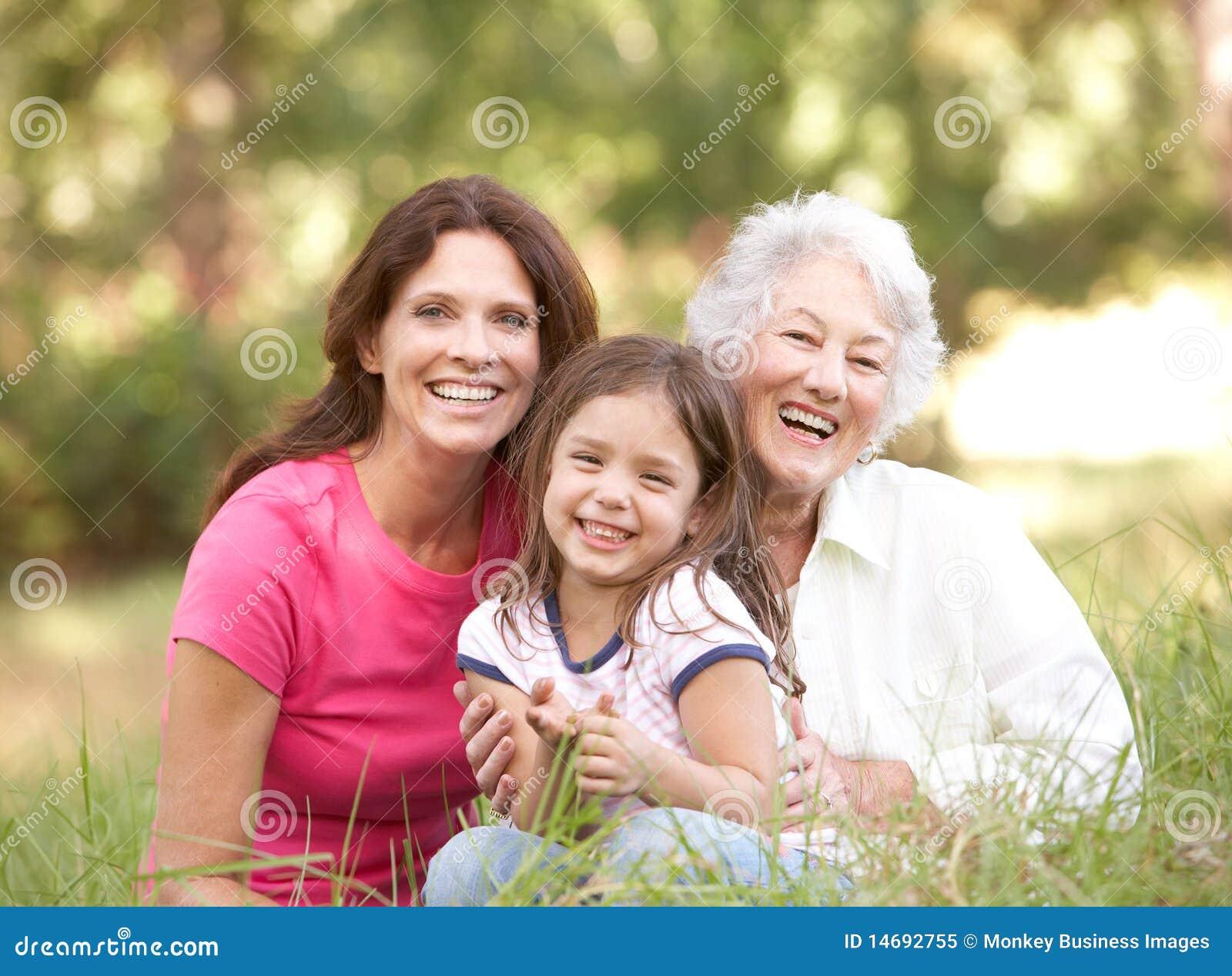 Nonna, derivato e nipote in sosta