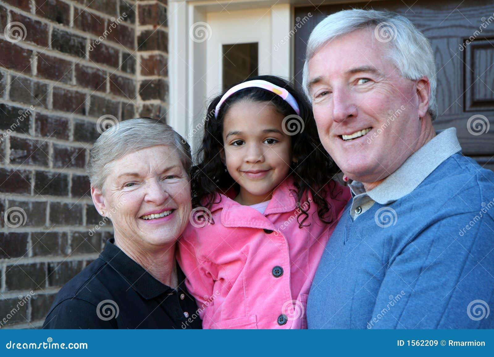 Nonni con la nipote