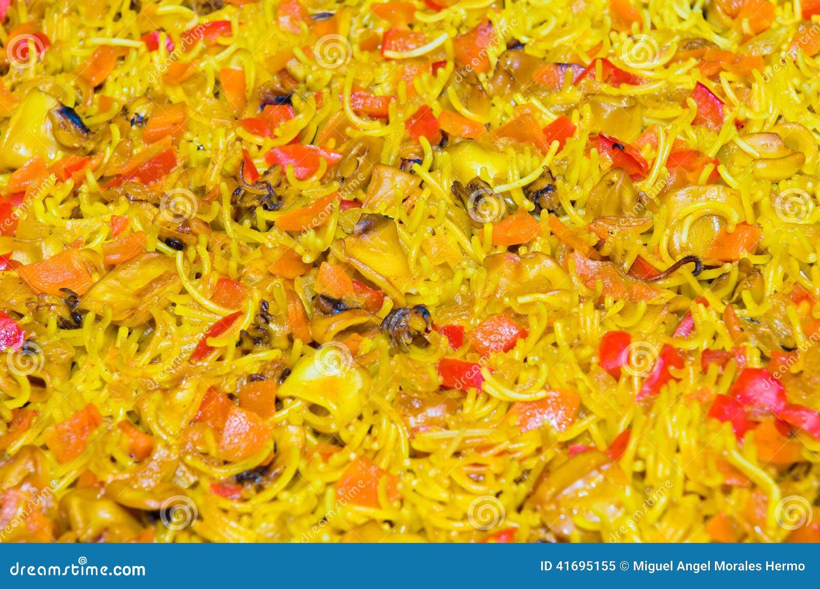 spanish noodle paella valencian noodle paella or spanish noodle paella ...
