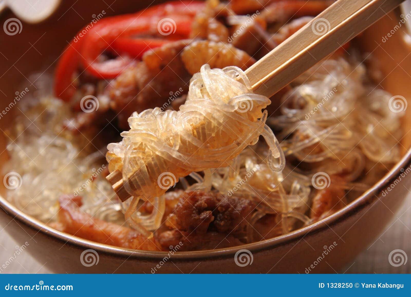 Noodles wieprzowiny ryżu