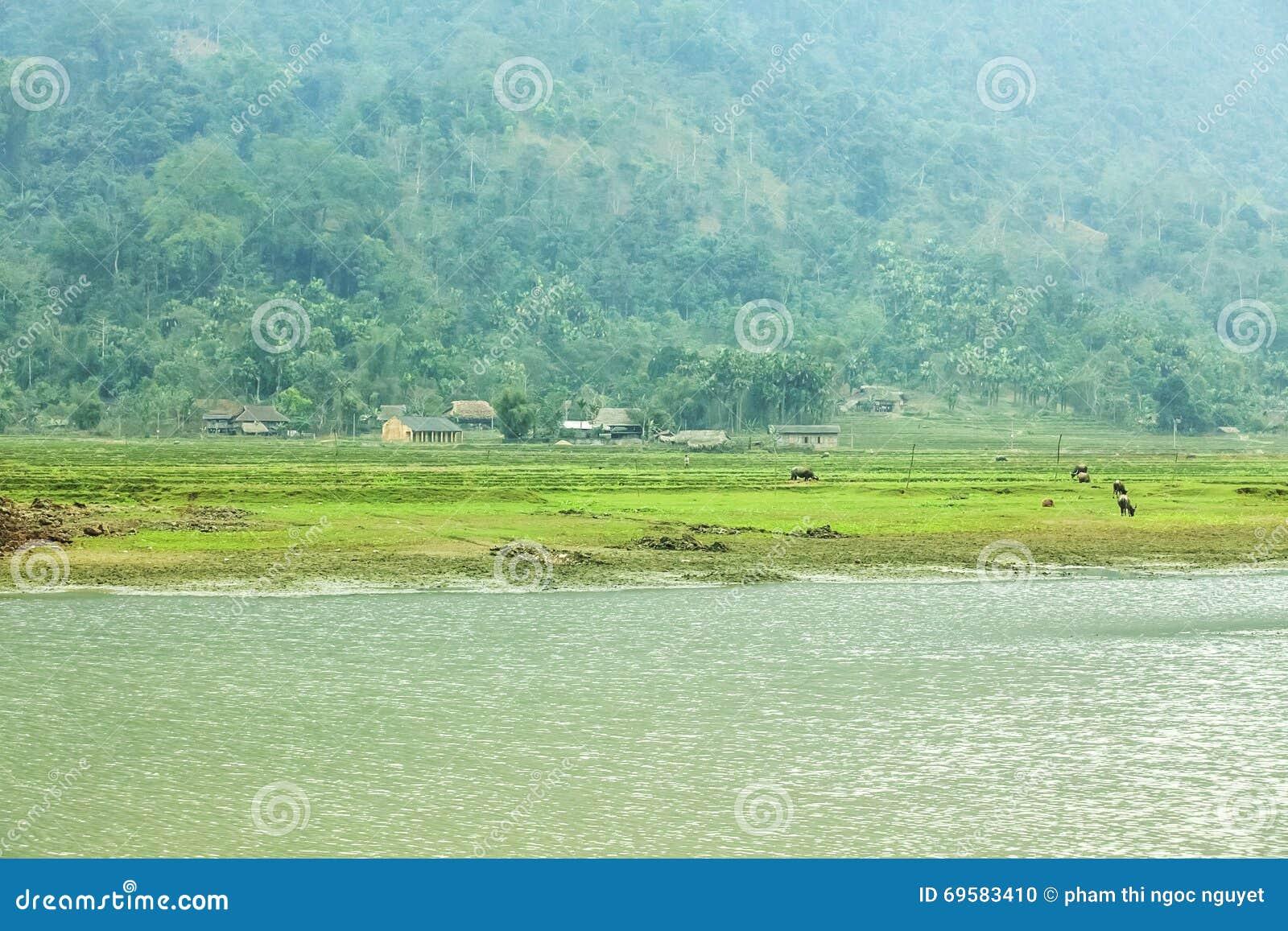 Noong wioska i jezioro