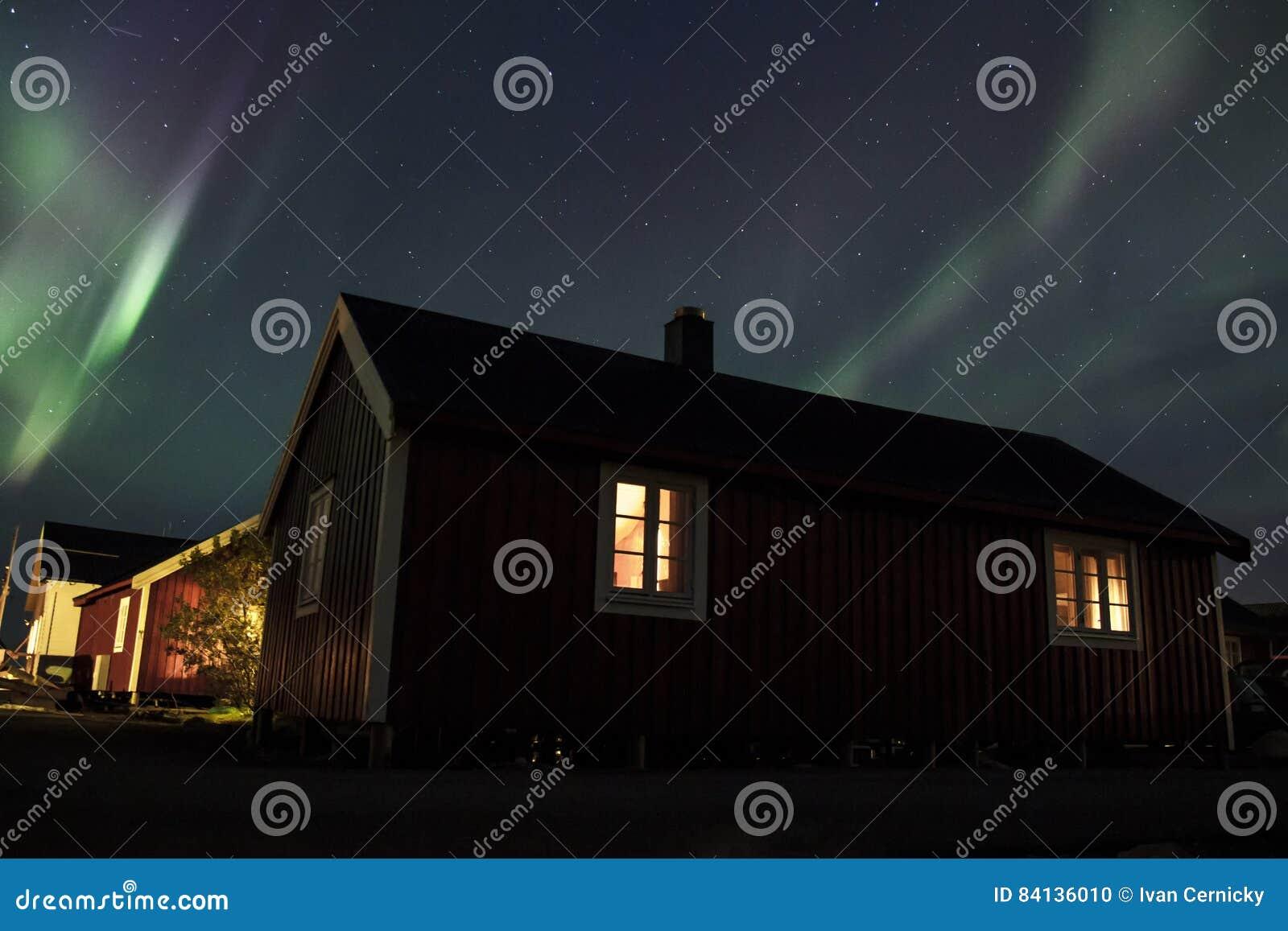 Noordelijke lichten over Hamnoy IV