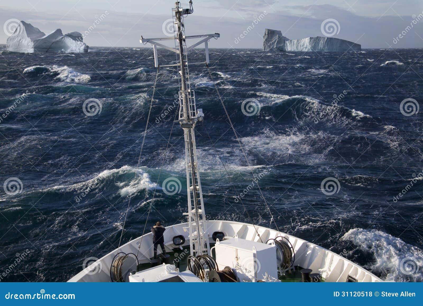 Noordpool - Schip en Ijsbergen - Groenland