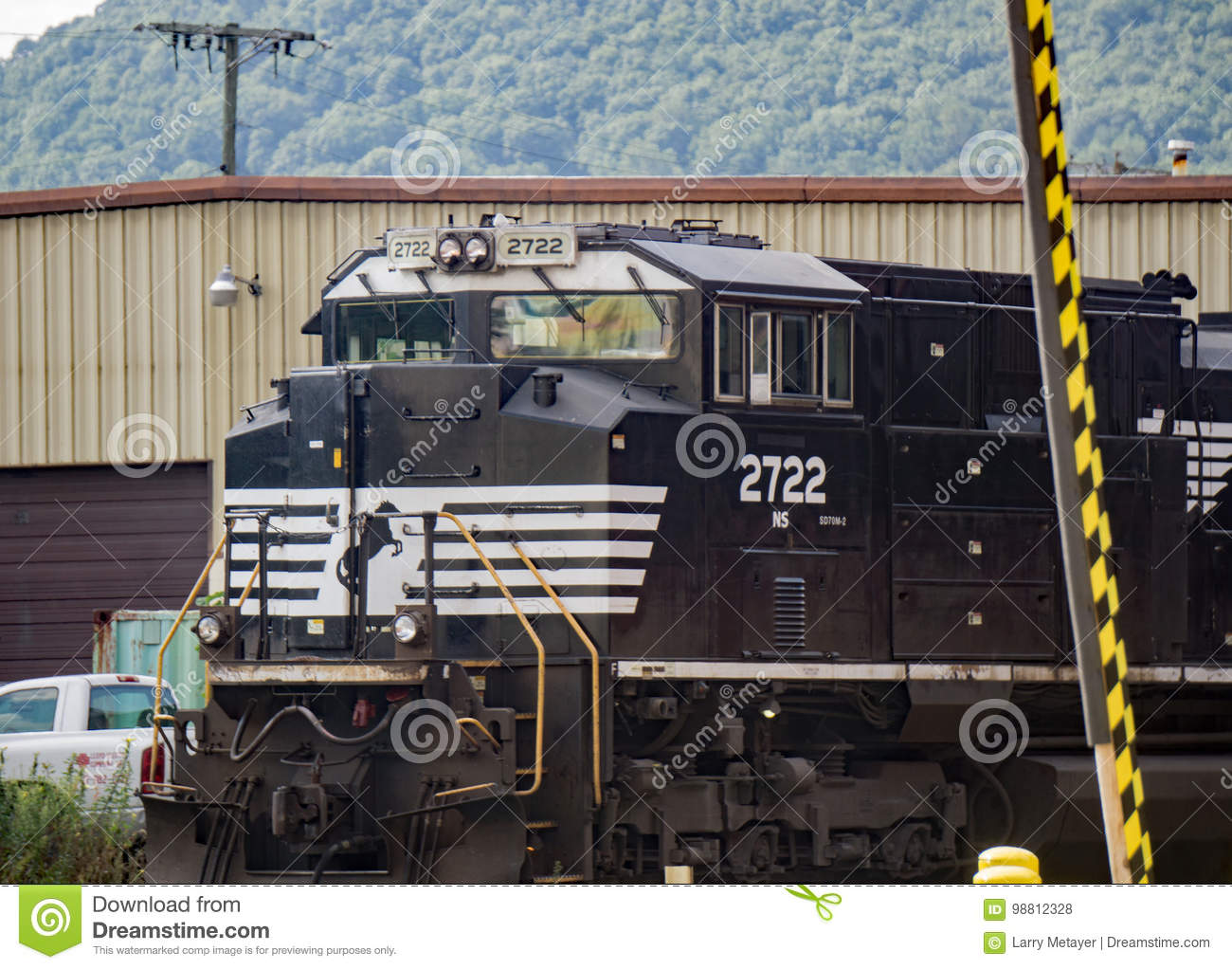 Norfolk and Southern 2722 Engine