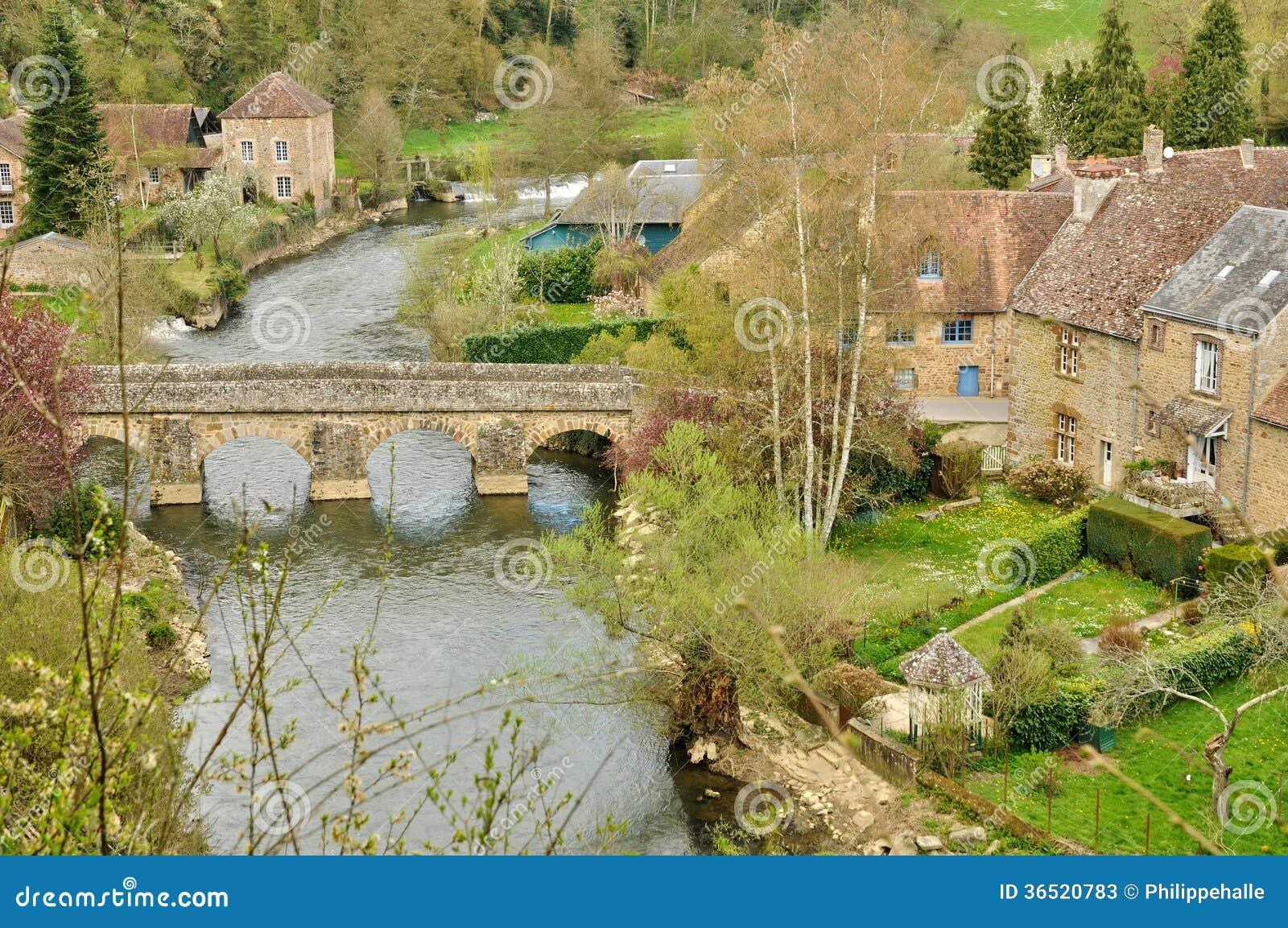Normandie, le village pittoresque de Saint Ceneri le Gerei
