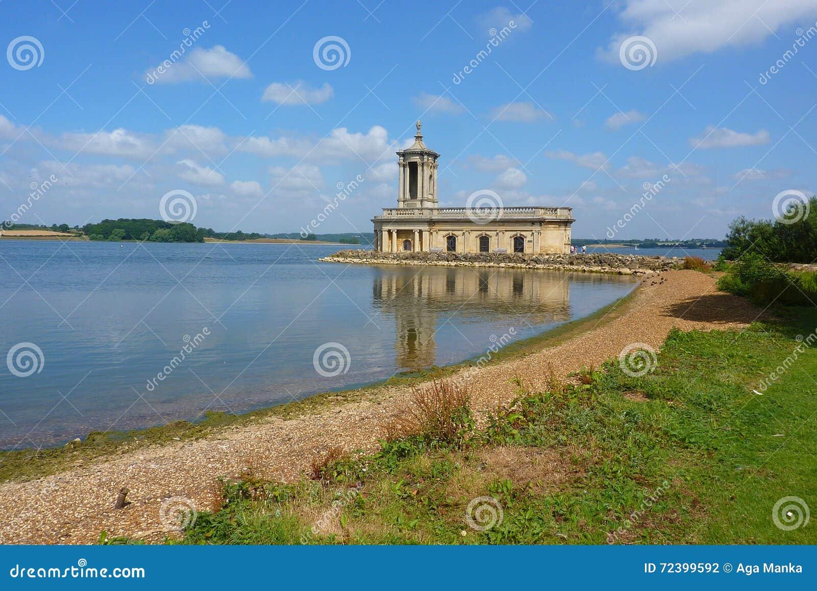Normanton Kirche auf Rutland Wasser