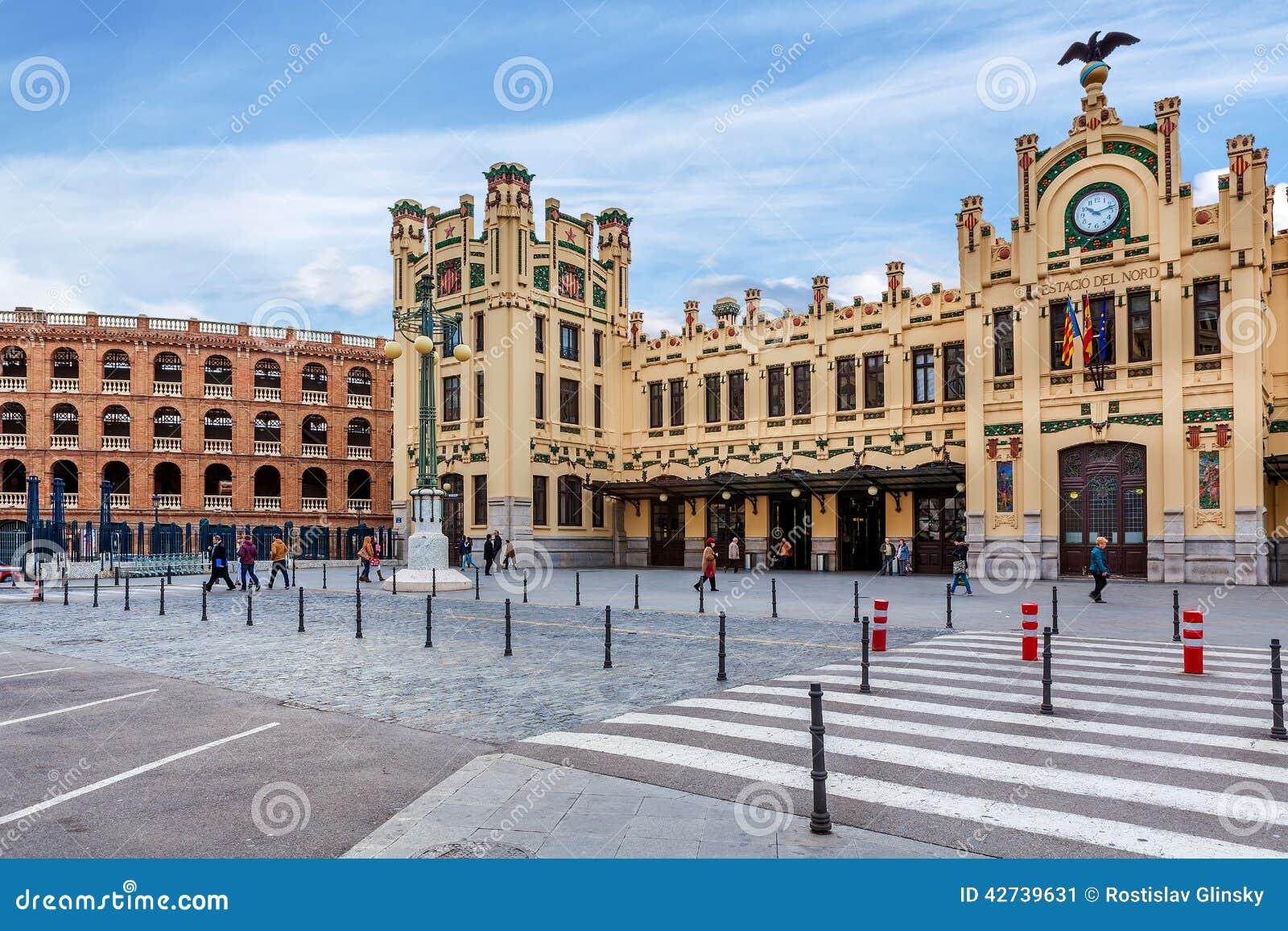 North station in valencia spain editorial photo image - Piscine valencia espagne ...