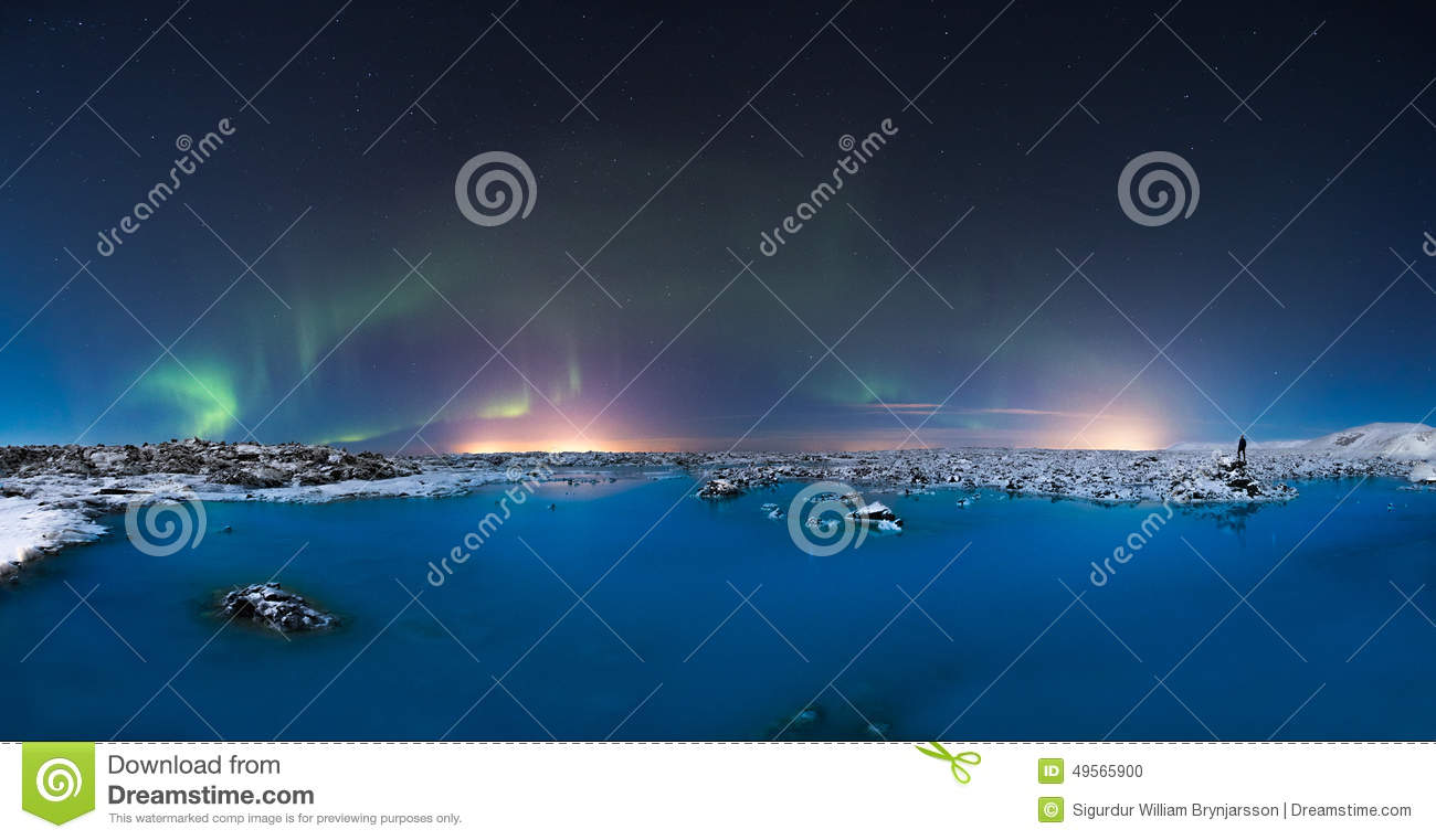 Northern lights in the Blue Lagoon