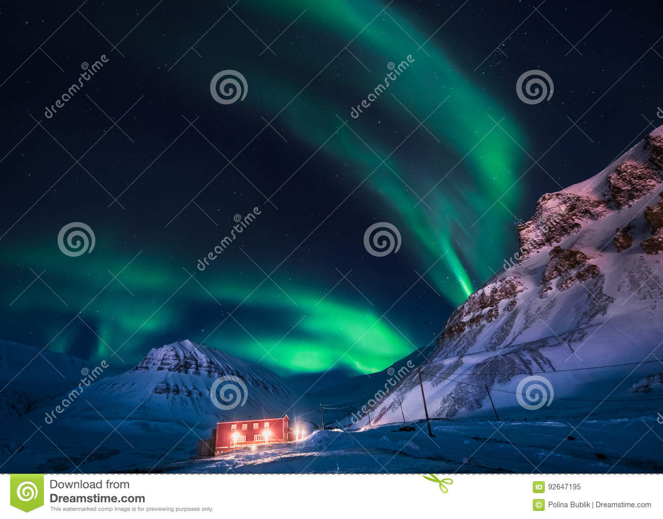 Northern lights in the mountains house of Svalbard, Longyearbyen city, Spitsbergen, Norway wallpaper