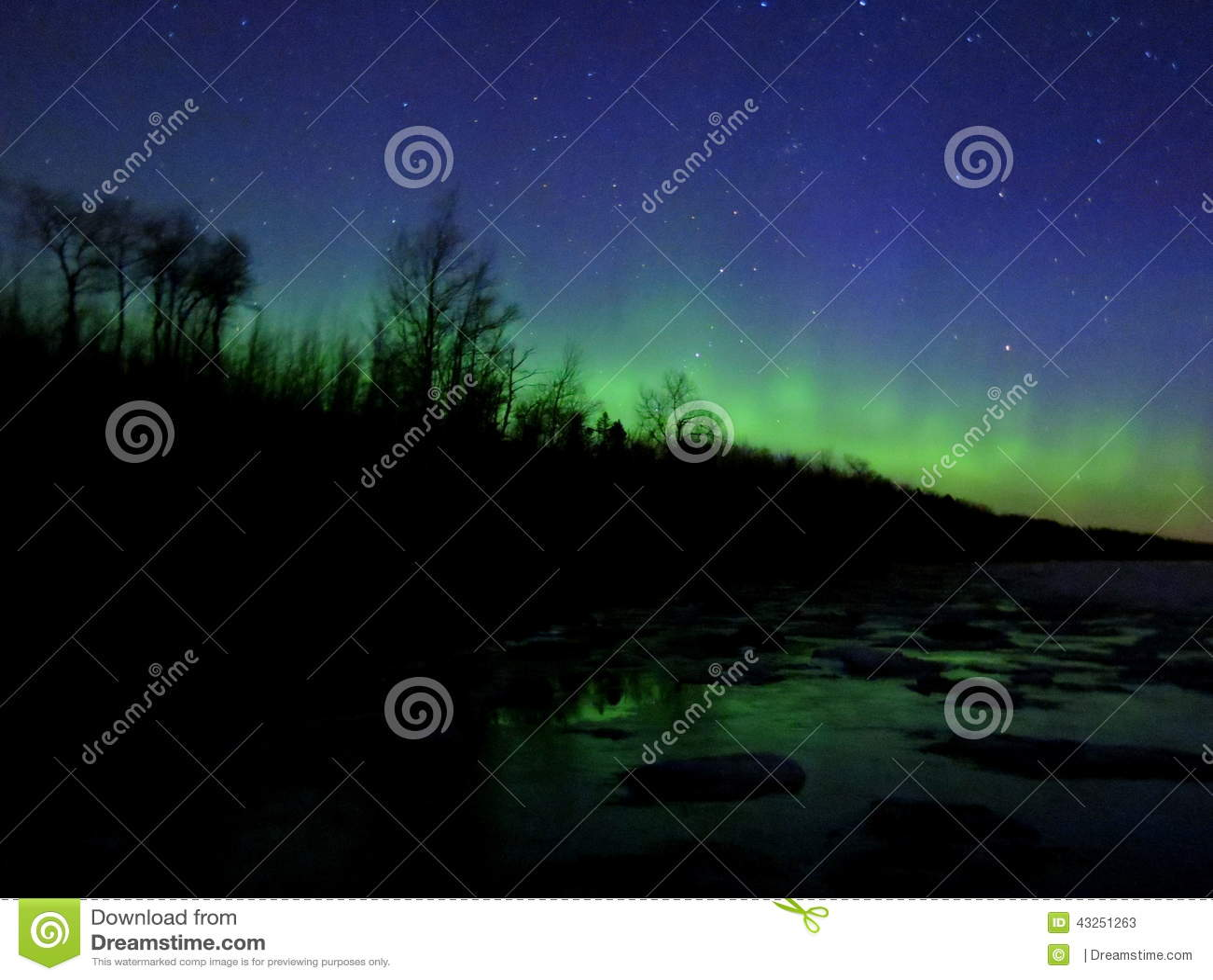 northern lights over lake superior stock image image of aurora
