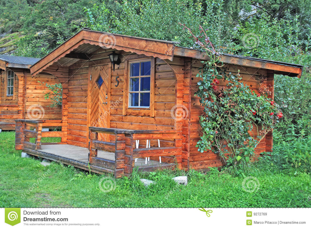Norwegian Cabin Royalty Free Stock Images Image 9272769