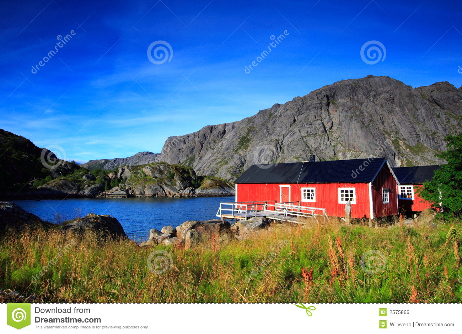 norwegische rote h user lizenzfreies stockbild bild 2575866. Black Bedroom Furniture Sets. Home Design Ideas