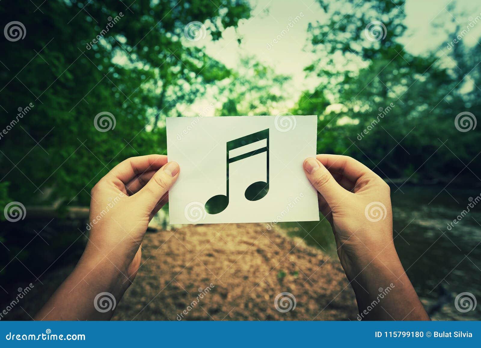 Nota di musica della tenuta