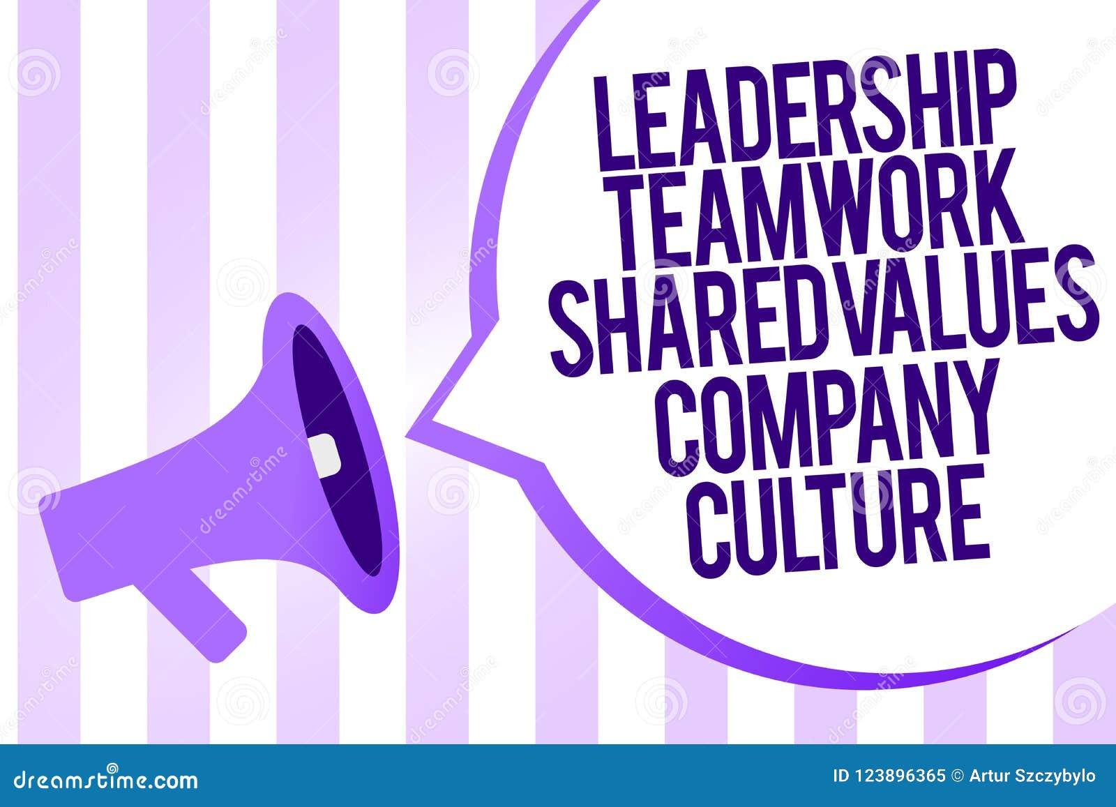 Nota di scrittura che mostra la cultura di Leadership Teamwork Shared Values Company Foto di affari che montra gruppo Team Succes