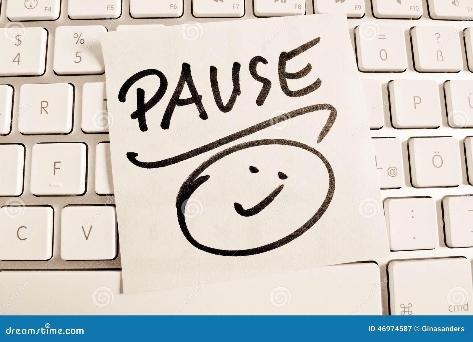 Nota sobre pausa del teclado de ordenador foto de archivo - Foto teclado ordenador ...