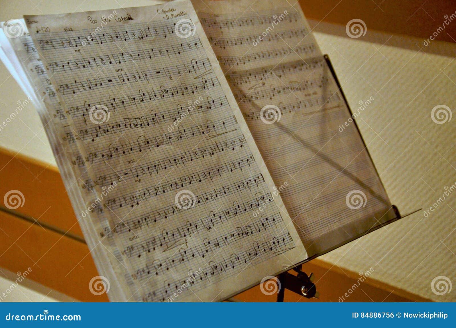 Notas escritas à mão da música