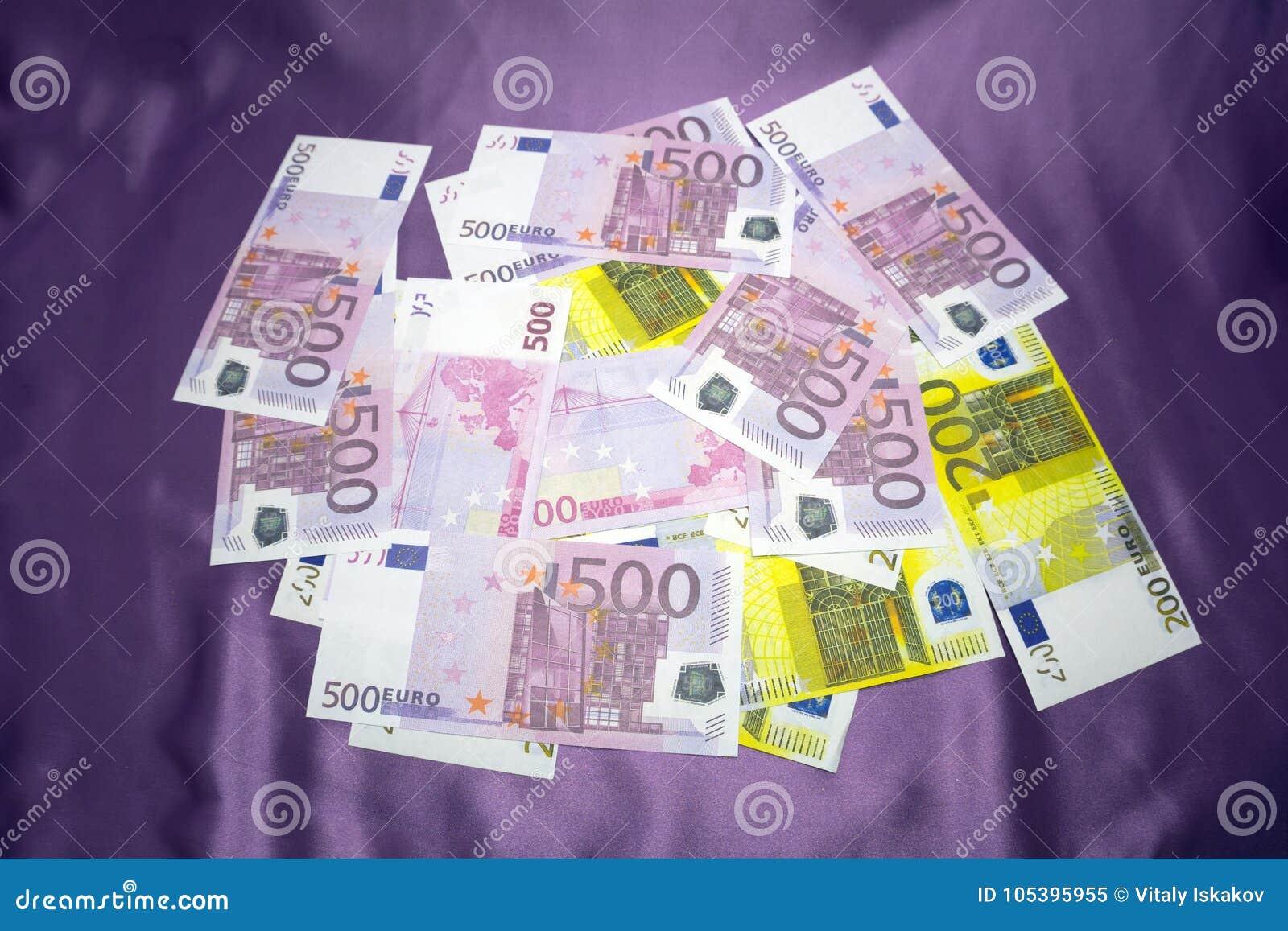 200, 500 notatek tła Euro tekstura - zlewający stos