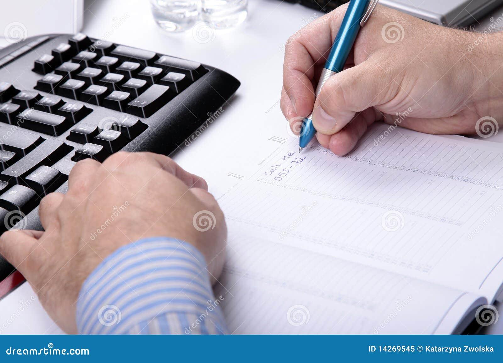 Note d écriture au sujet de se réunir dans le calendrier