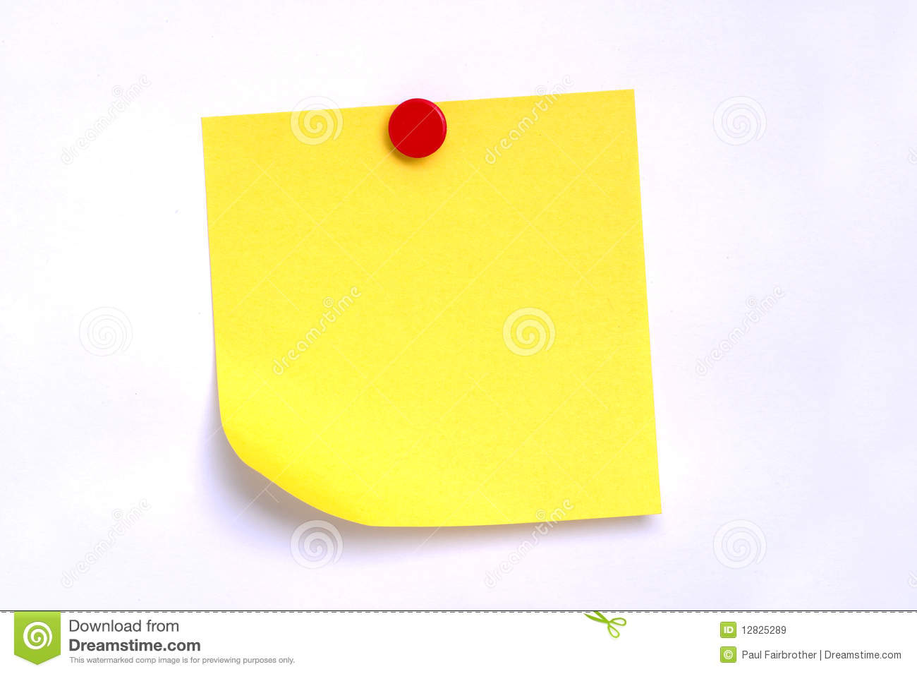 Note de post-it avec la broche rouge