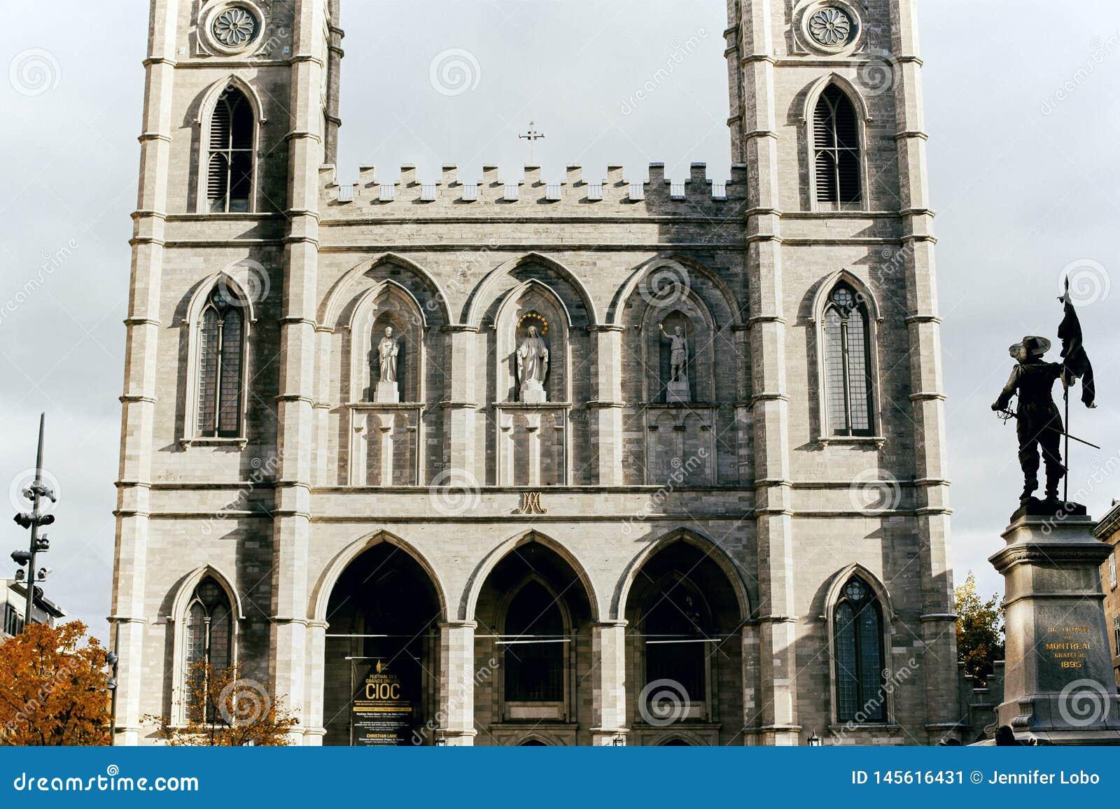 Notre Dame大教堂在蒙特利尔,加拿大