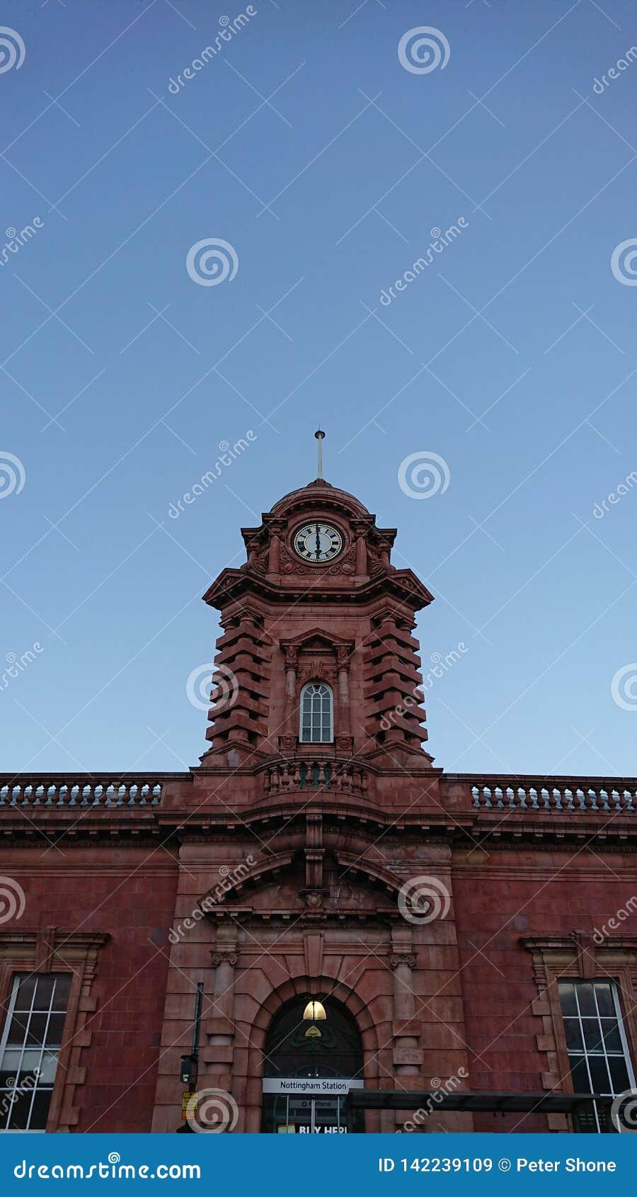 Nottingham stacji kolejowej zegarowy wierza