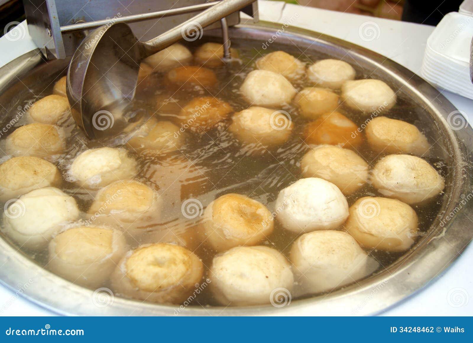 Nourriture chinoise boules de poissons photographie for Nourriture de poisson
