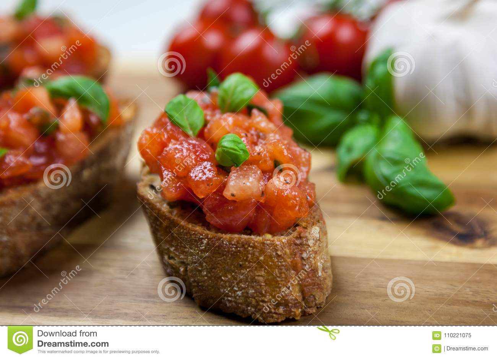 Nourriture italienne saine - bruschette