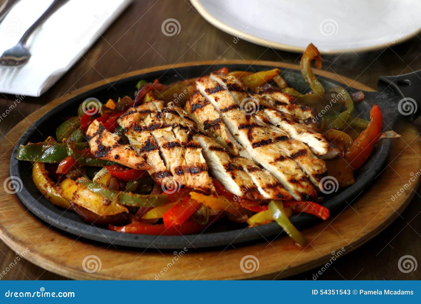 Nourriture mexicaine photo stock image 54351543 - Cuisine mexicaine fajitas ...