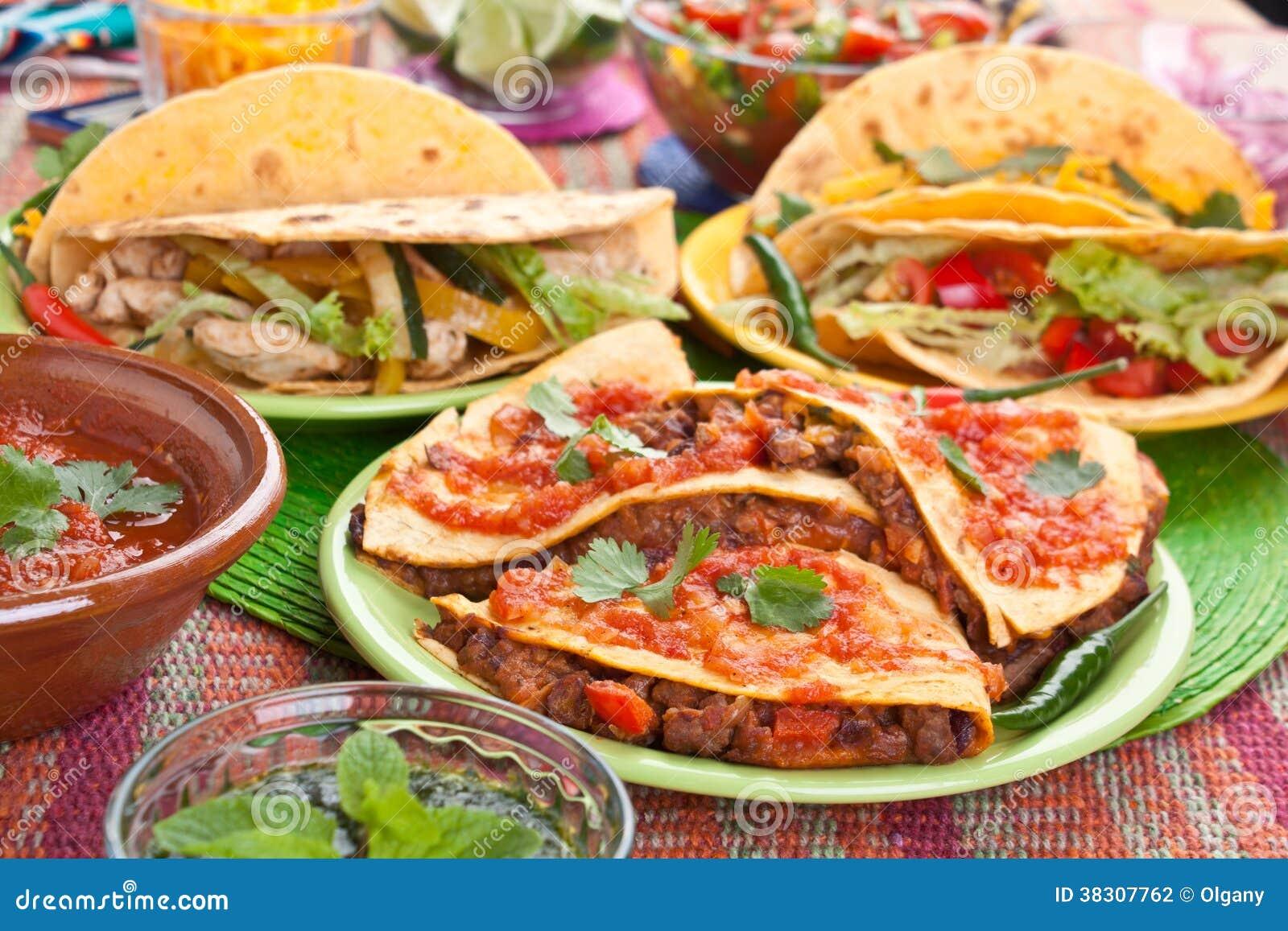 Nourriture mexicaine traditionnelle photo stock image du d ner color 38307762 - Cuisine mexicaine traditionnelle ...