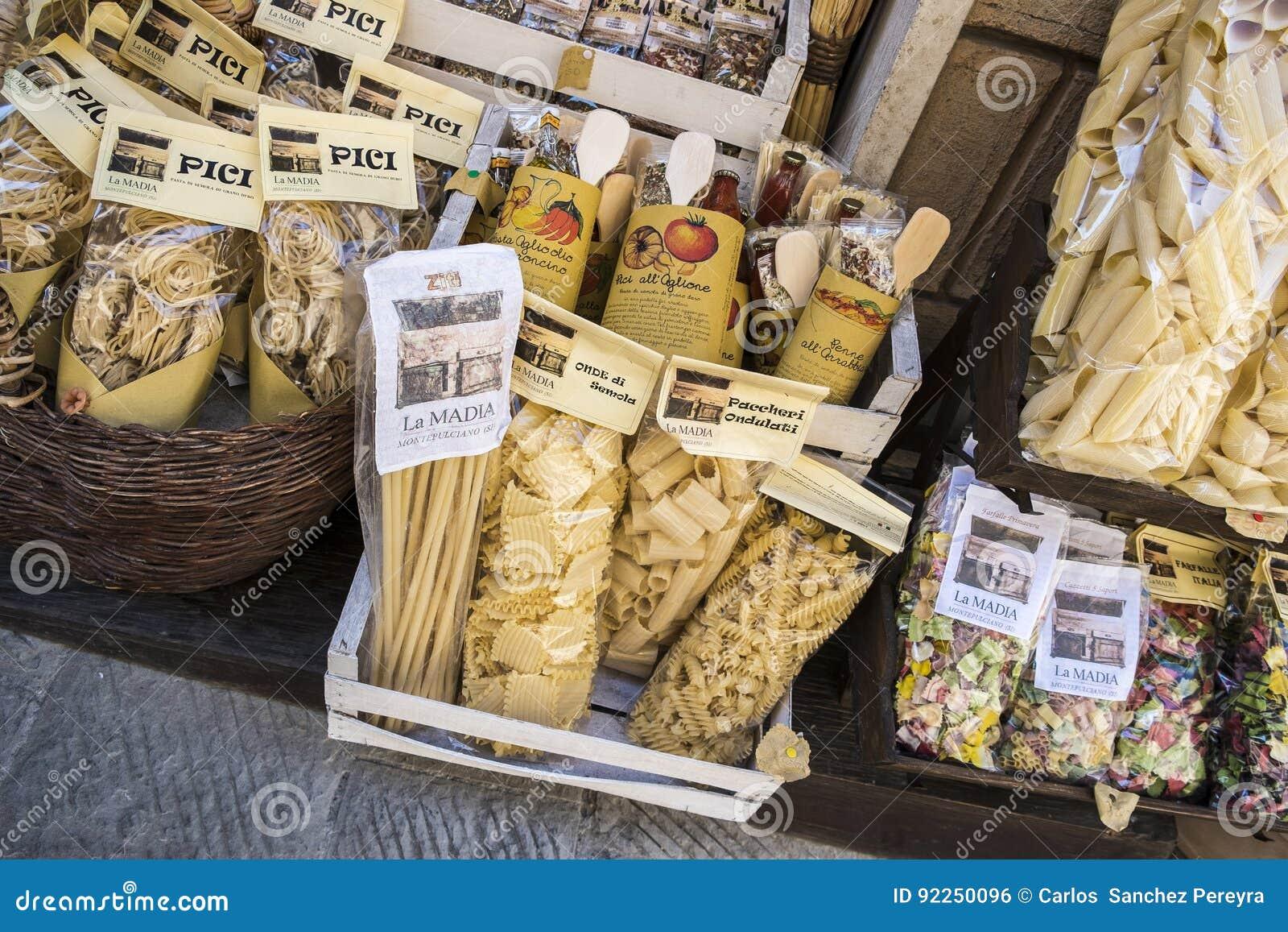 Nourriture régionale autour de Montepulciano, Siena Province, Toscane, AIE