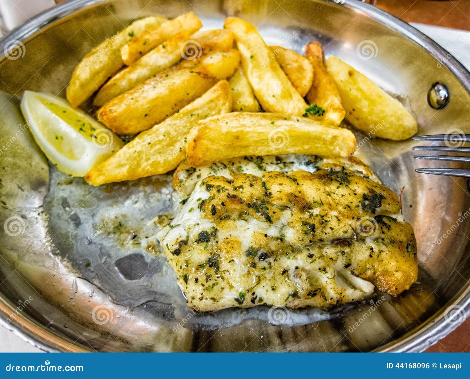 Nourriture r gionale typique poisson de kingklip afrique for Nourriture du poisson
