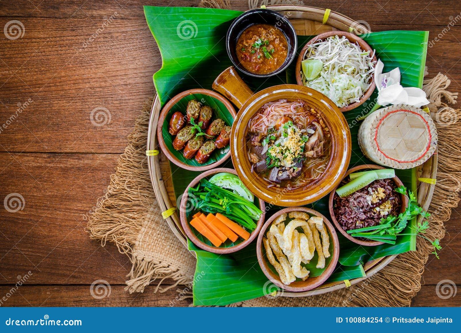 Nourriture thaïlandaise du nord de tradition