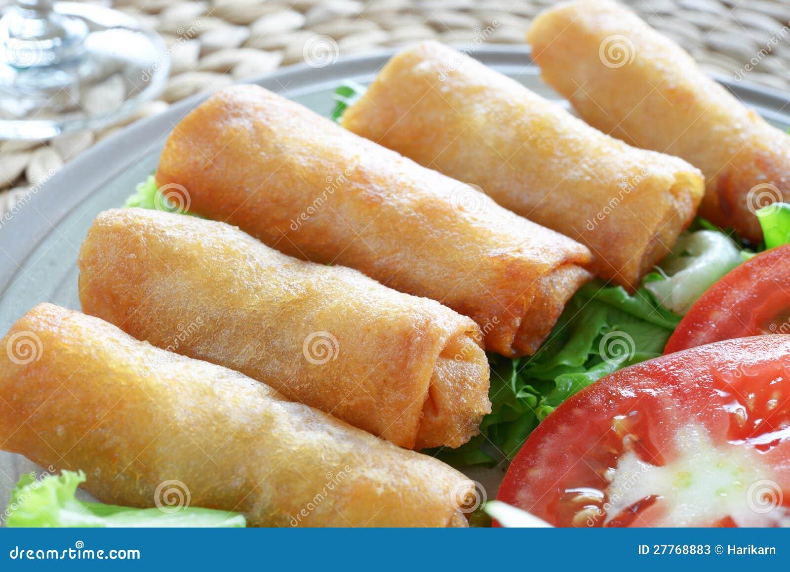 Nourriture traditionnelle chinoise croustillante de roulis de source