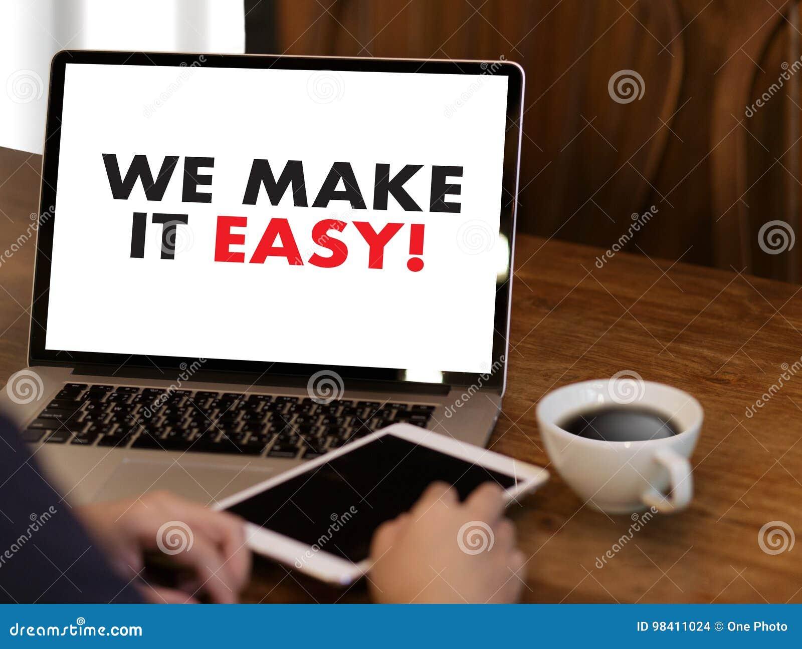 NOUS RENDONS LE SERVICE INFORMATIQUE FACILE ! Mains d équipe d affaires au travail avec le repo financier