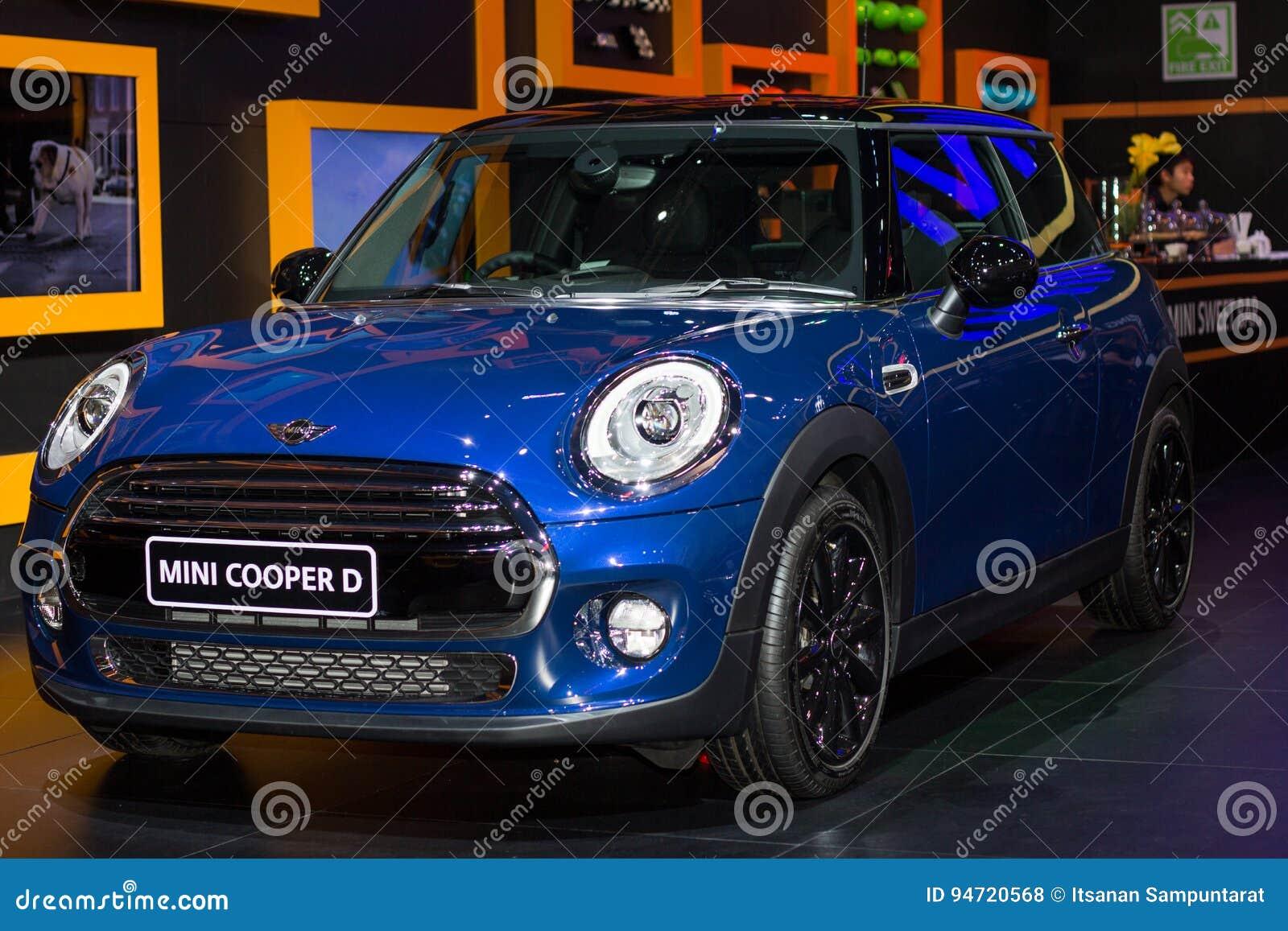 Nouveau Modèle De Mini Cooper Présenté Dans Le Salon De Lautomobile