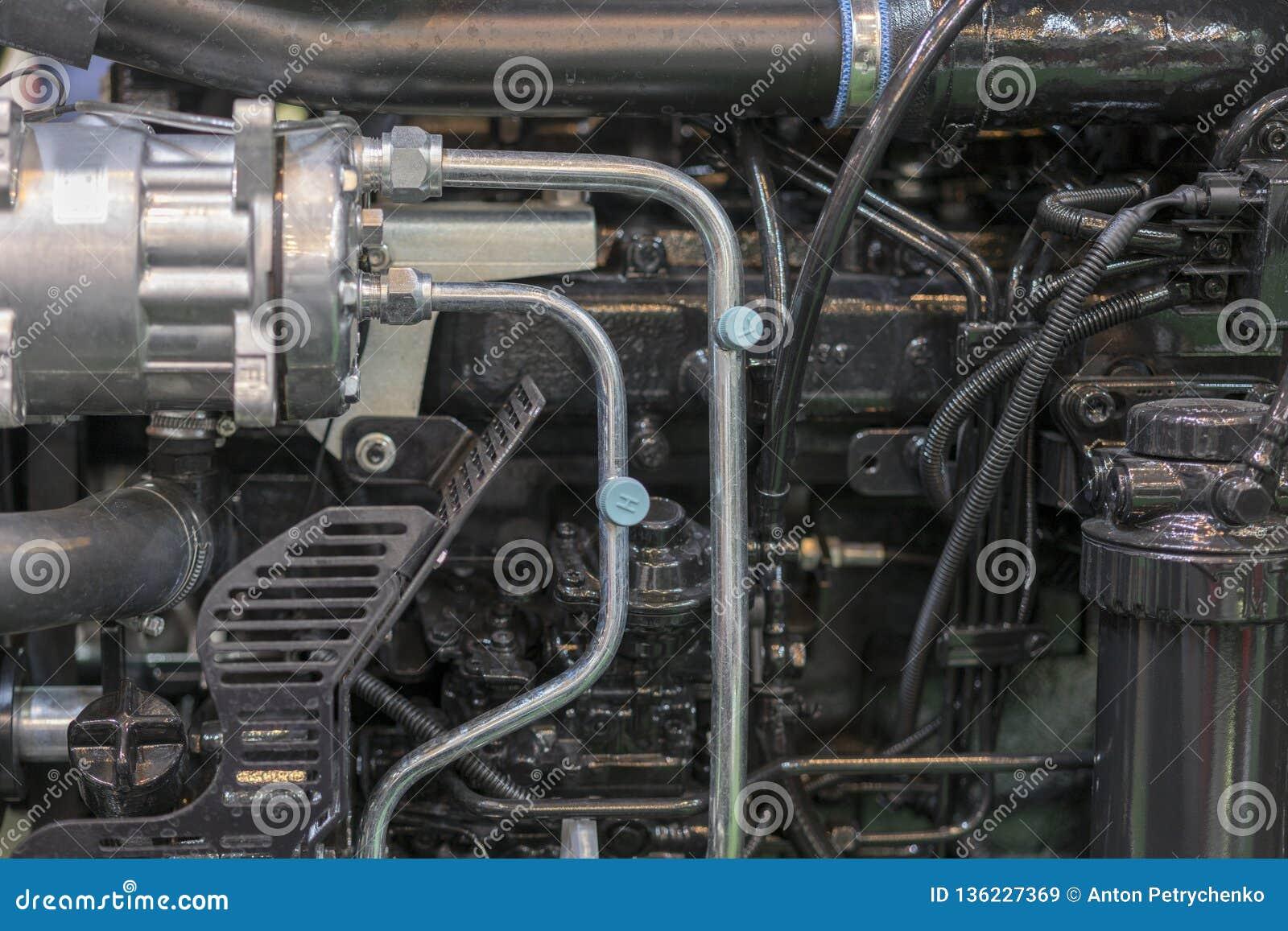 Nouveau moteur tracteur diesel agricole moderne Nouveau moteur de pointe moderne de chargeur ou de petit tracteur Vue supérieure