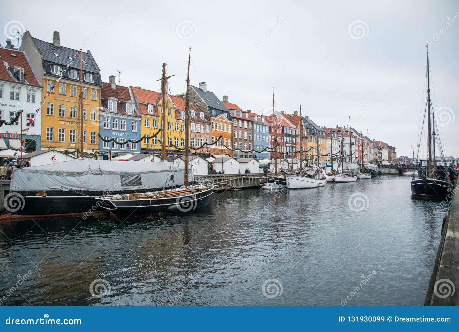 Nouveau port de Nyhavn Région populaire de Copenhague denmark