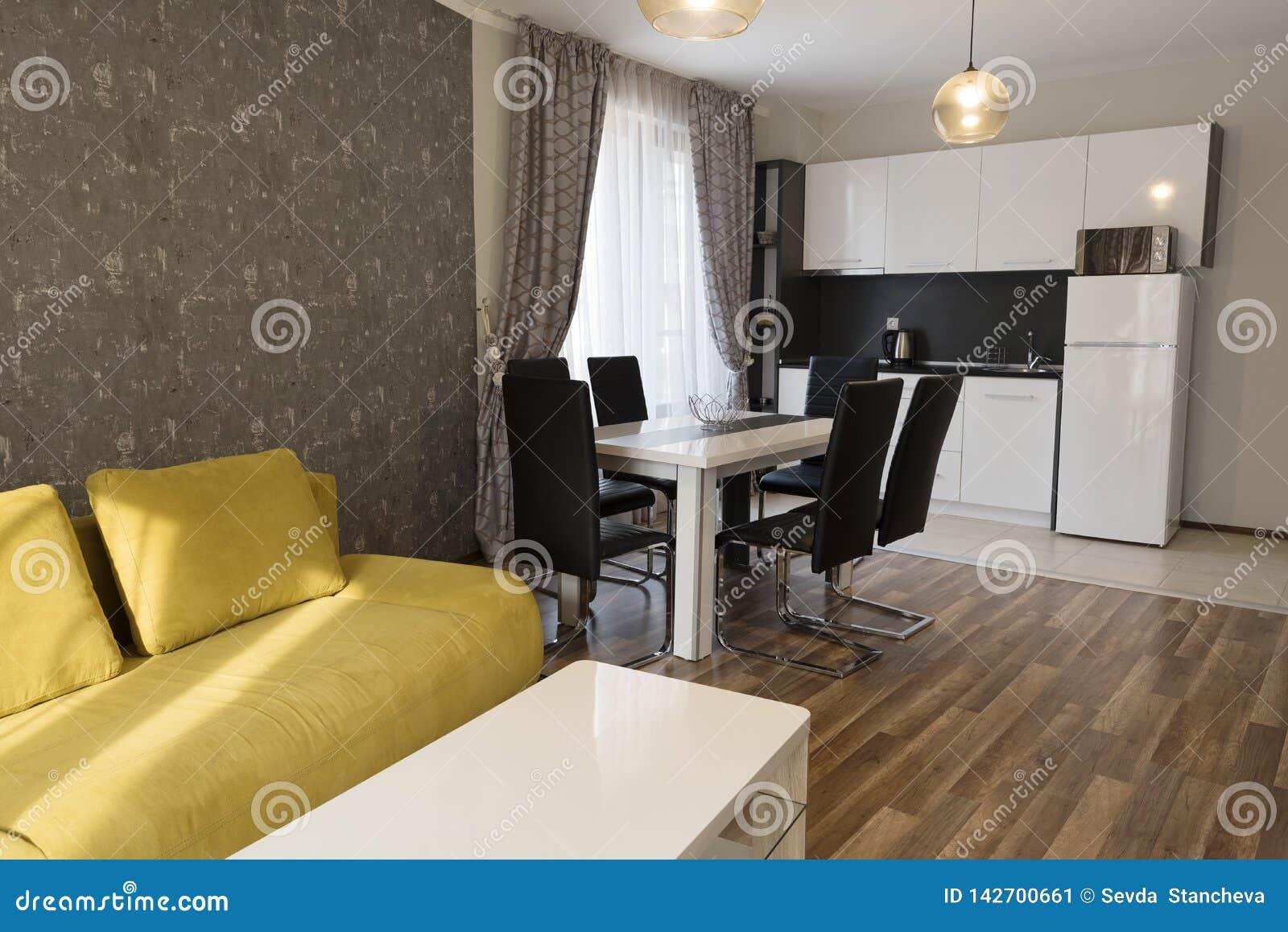 Nouveau Salon Moderne Maison Neuve Photographie Int?rieure ...
