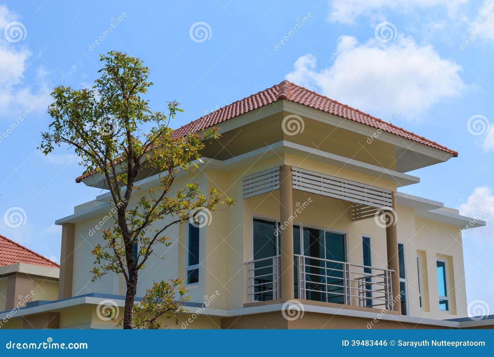 Nouvelle maison moderne photo stock image 39483446 for Www nouvelle maison design com
