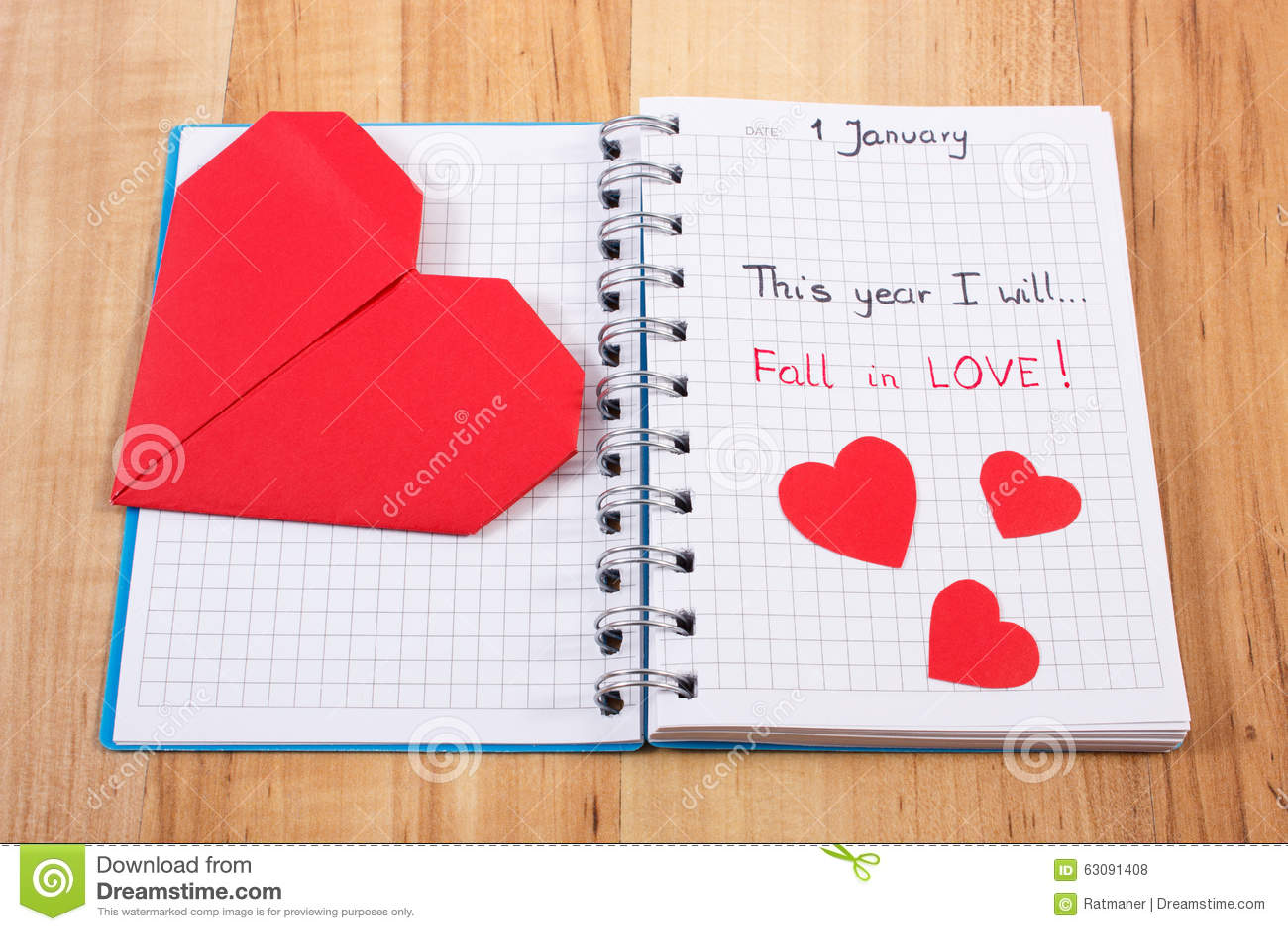Download Nouvelles Années De Résolutions écrites Au Carnet Et Aux Coeurs De Papier Rouges Photo stock - Image du motivation, cahier: 63091408