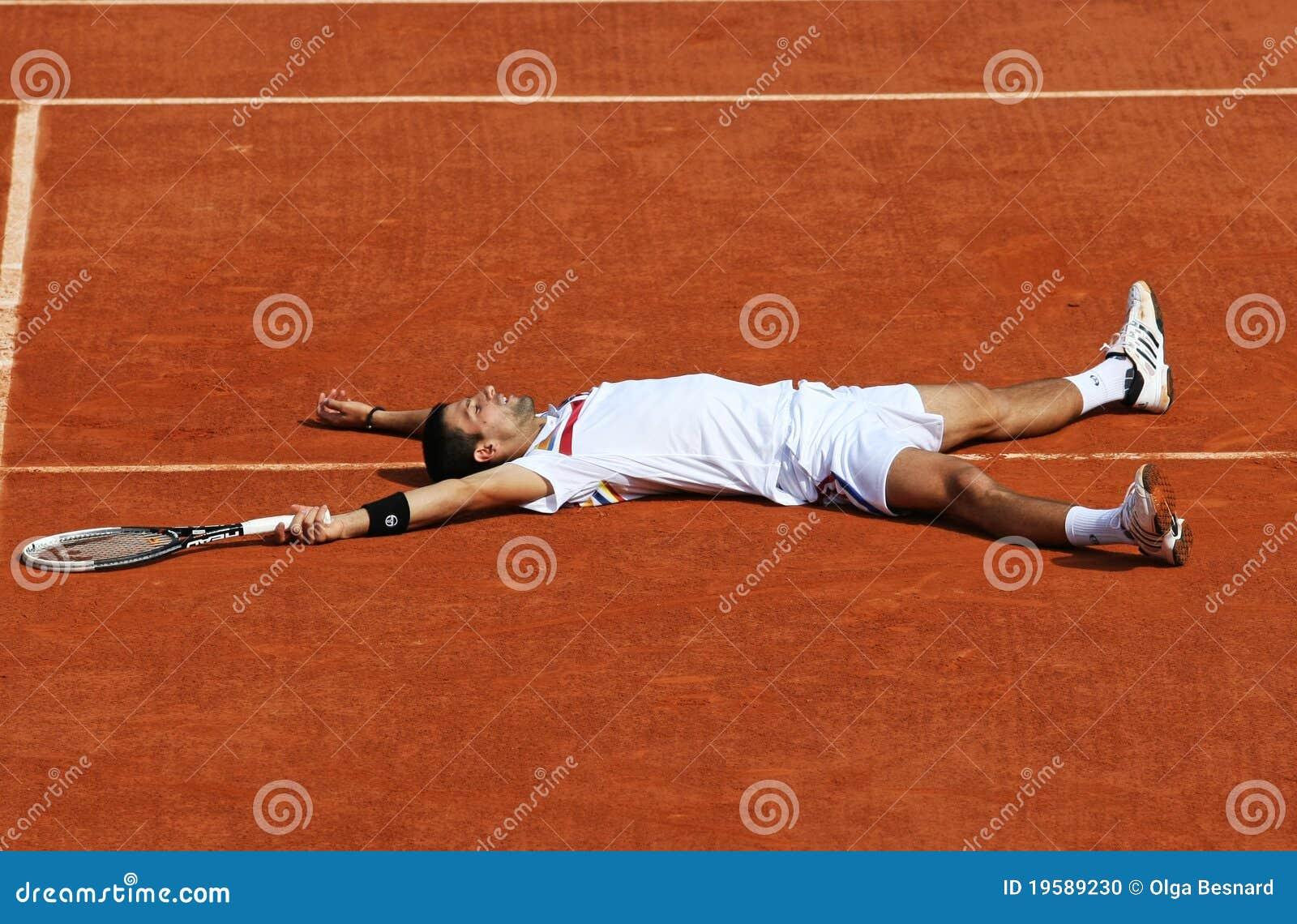 Roland Garros Handdoek.Novak Djokovic Srb In Roland Garros 2011 Redactionele Afbeelding