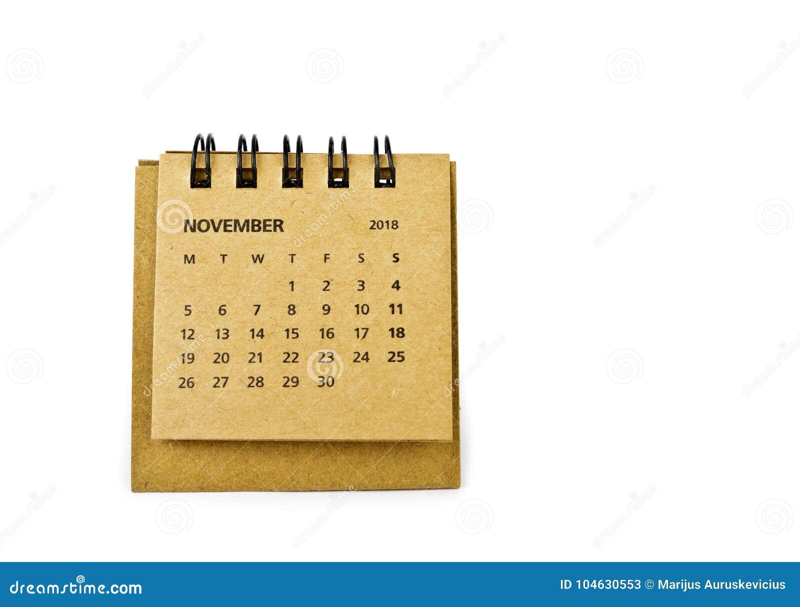 Download November Kalenderblad Op Wit Stock Afbeelding - Afbeelding bestaande uit herinnering, maand: 104630553