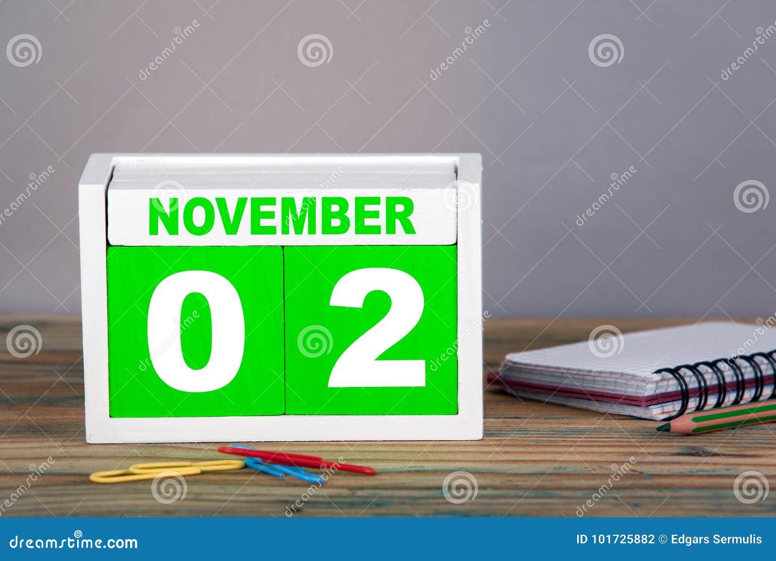 November 2 närbildträkalender