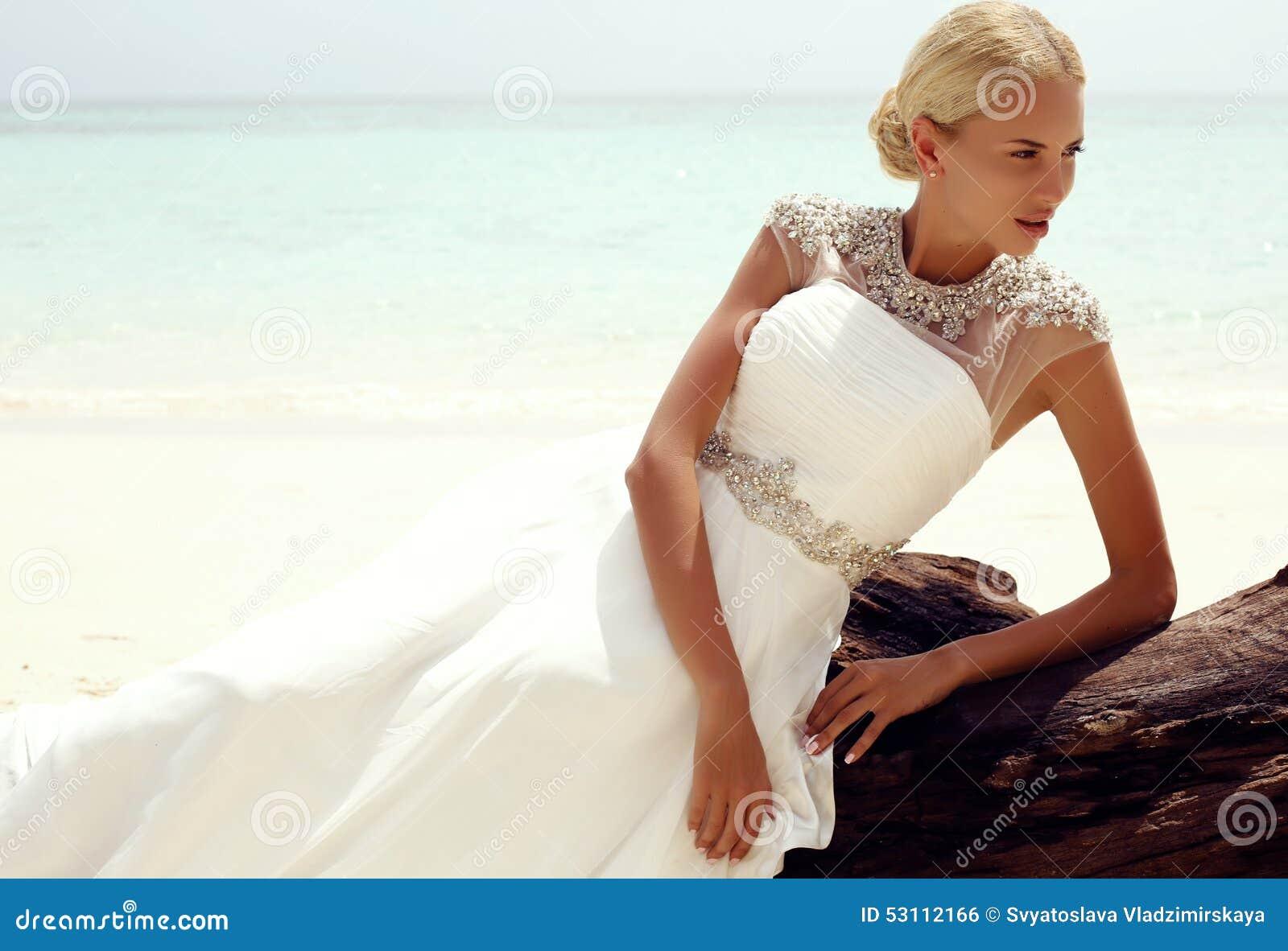 Vestido para boda tropical