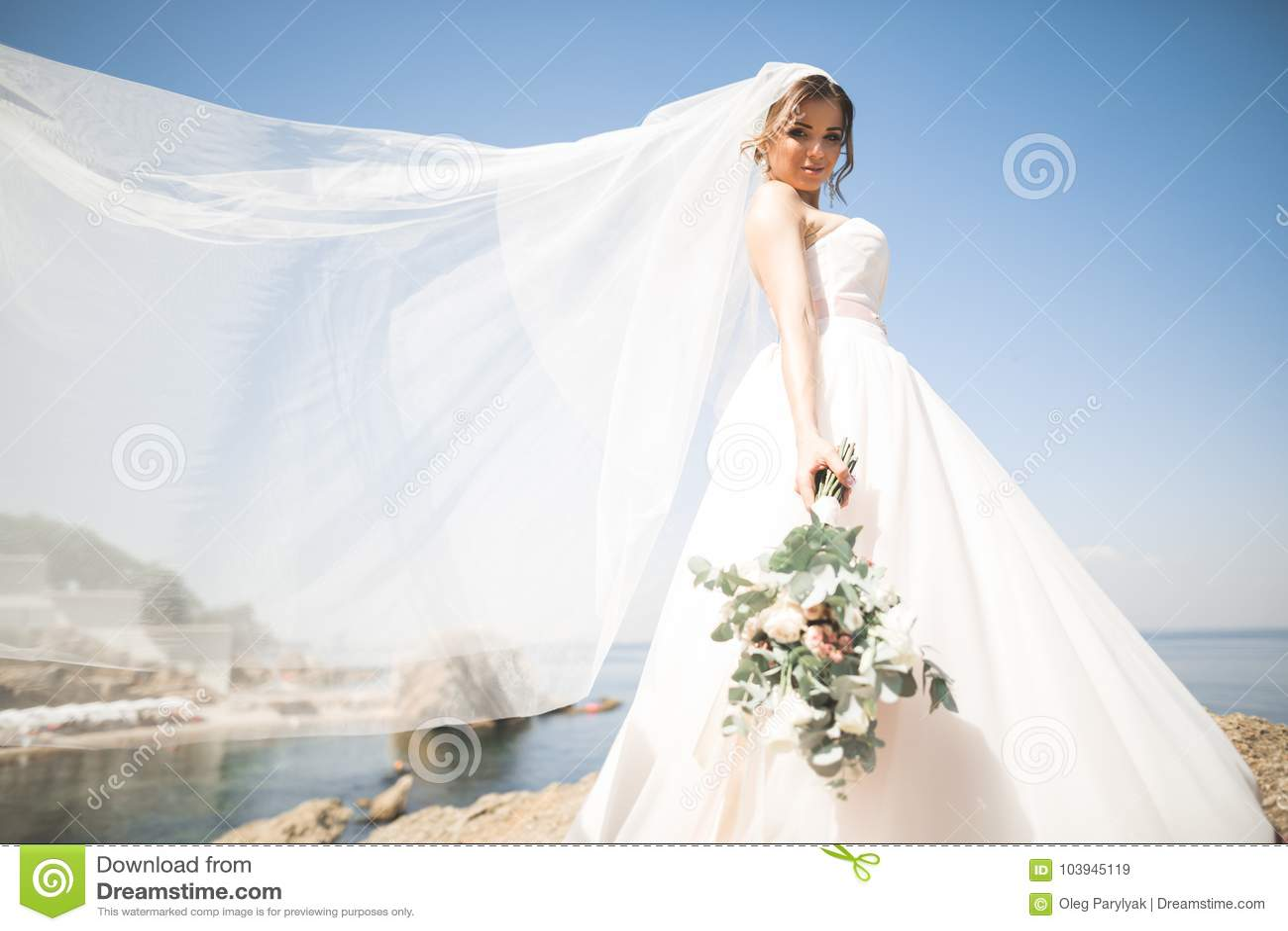 Vestido de novia precioso blanco