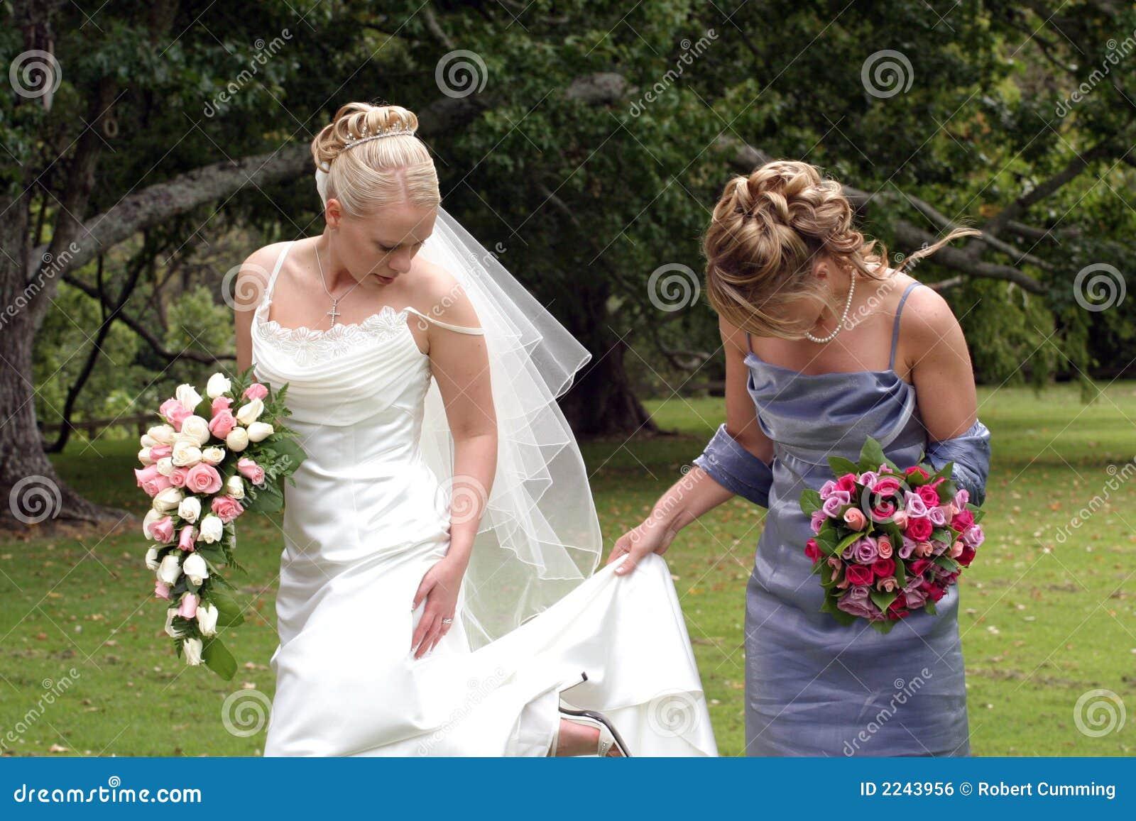 Novia y dama de honor