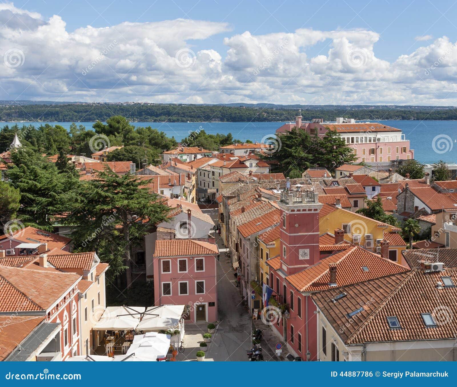 Mediterranean Style Houses With Ocean Views: Novigrad Cityscape, Istria, Croatia Stock Photo