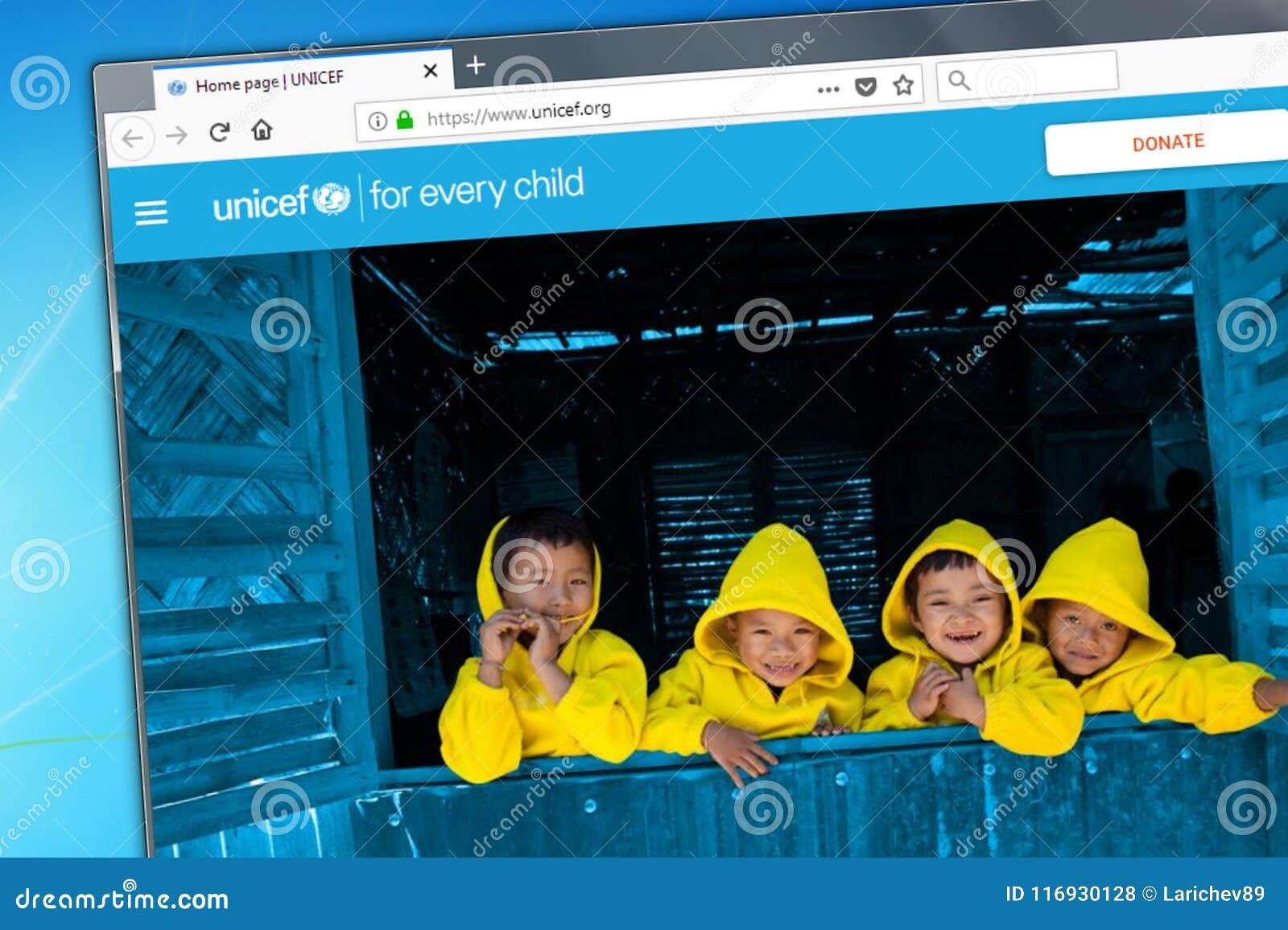 Novosibirsk, Rusland - Mei 18, 2018 - de homepage van de officiële website voor UNICEF - het Fonds van de Kinderen van de Verenig