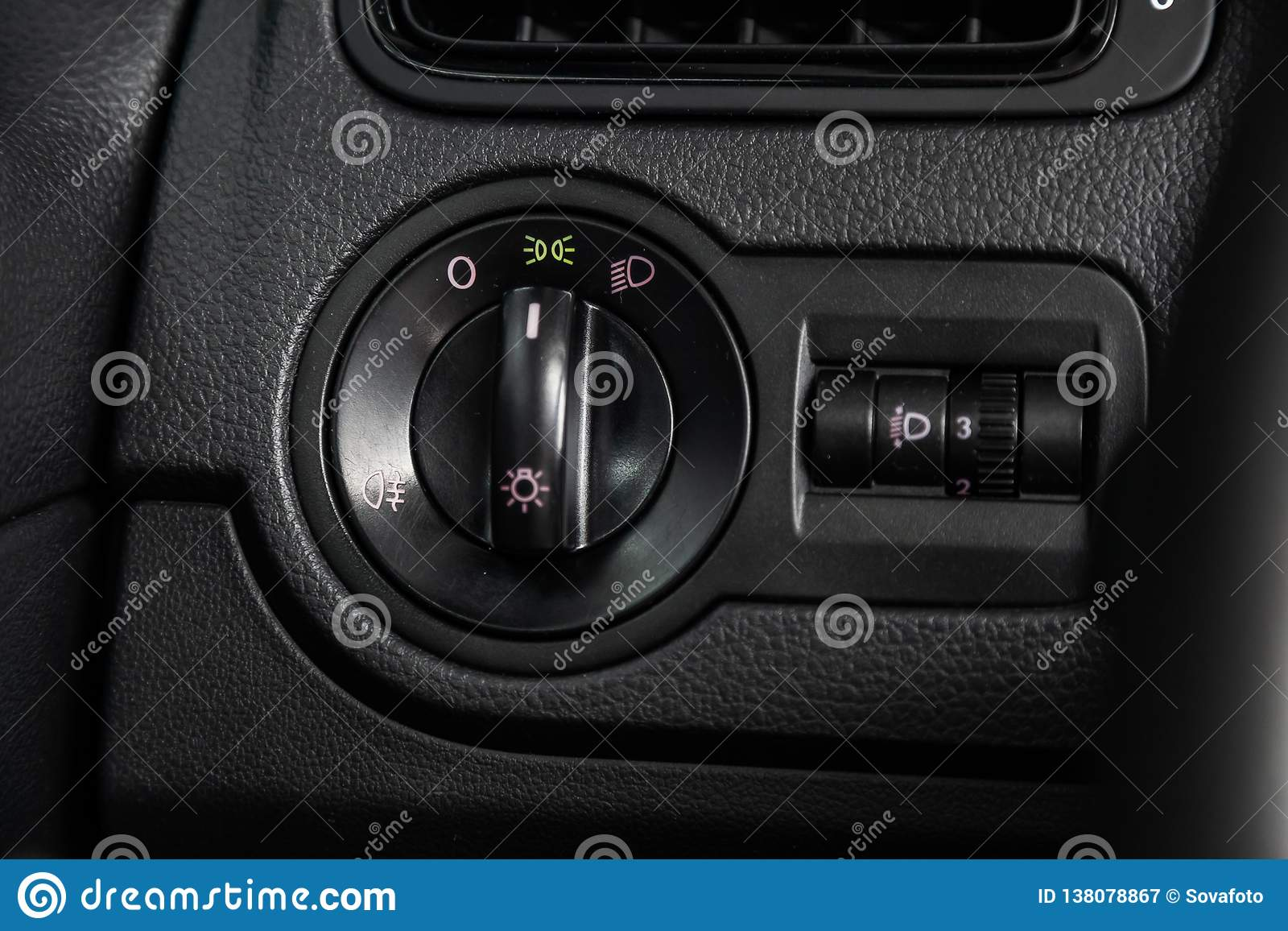 Novosibirsk Ryssland - Januari 30, 2019: Volkswagen Polo